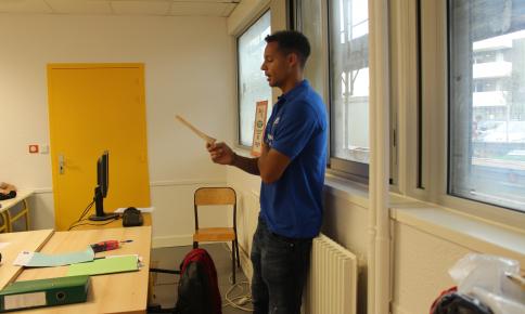Daniel Congré au Collège Georges Brassens pour la Dictée ELA